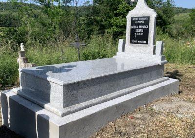 pietre-monumente-funerare-cluj-04